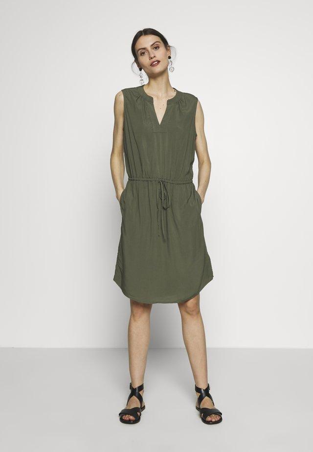 SHIRT DRESS - Korte jurk - greenway