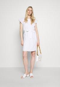 GAP - DRESS - Vestito estivo - optic white - 1