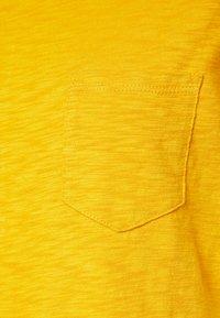GAP - TEE DRESS - Jerseyjurk - brilliant yellow - 2