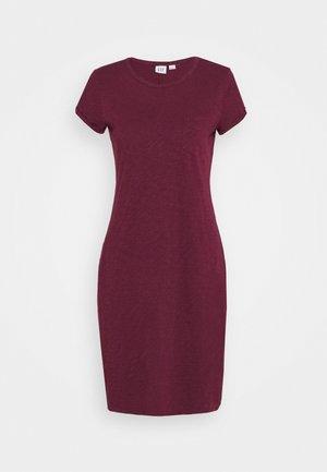 TEE DRESS - Žerzejové šaty - ruby wine