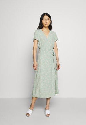 Denní šaty - green print combo