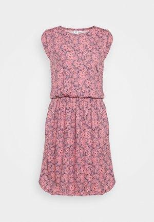 WAIST - Strikket kjole - pink