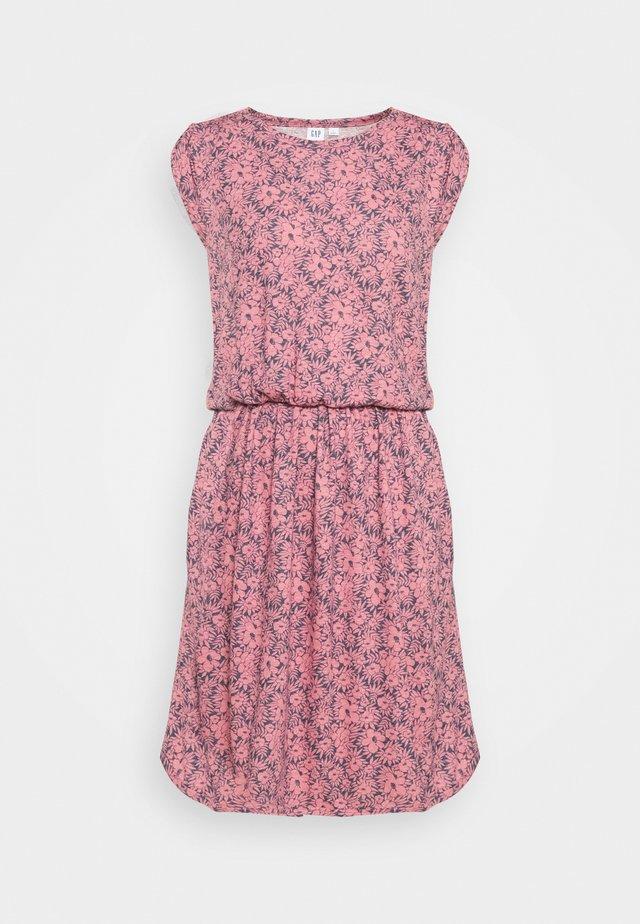 WAIST - Sukienka dzianinowa - pink