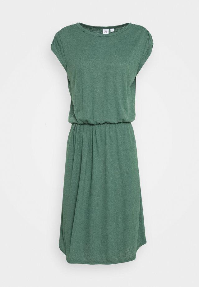 WAIST - Sukienka dzianinowa - olive