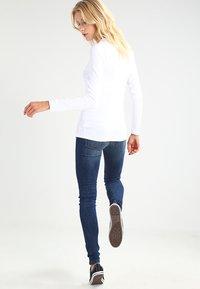 GAP - CREW TEE - Long sleeved top - optic white - 2