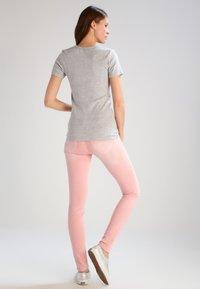 GAP - TEE - Camiseta básica - heather grey - 2