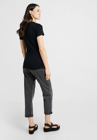 GAP - TEE - Camiseta básica - true black - 2