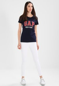 GAP - CITY TEE NEW YORK - Print T-shirt - navy uniform - 1