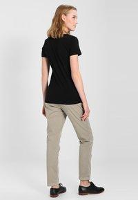 GAP - Camiseta básica - true black - 2