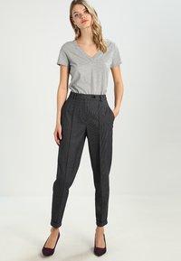 GAP - VINT - Print T-shirt - heather grey - 1