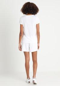 GAP - TEE - Print T-shirt - white - 2