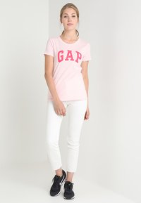 GAP - TEE - T-shirts print - new powder