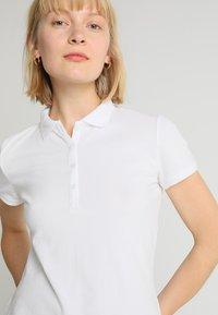 GAP - Poloskjorter - white - 3