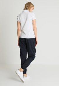 GAP - Poloskjorter - white - 2