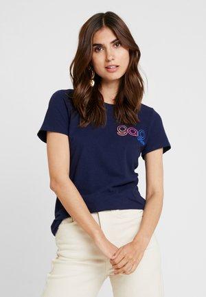 RETRO TEE - Print T-shirt - navy uniform
