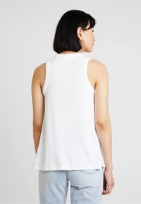 GAP - SWING - Topper - white - 2