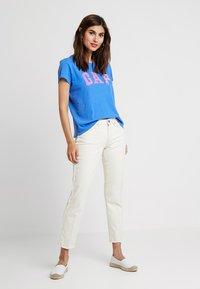 GAP - TEE - Print T-shirt - cabana blue - 1