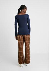 GAP - BOAT - Bluzka z długim rękawem - true indigo - 2