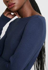 GAP - BOAT - Bluzka z długim rękawem - true indigo - 5