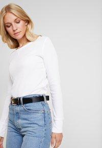 GAP - WAFFLE TEE - Long sleeved top - white - 3
