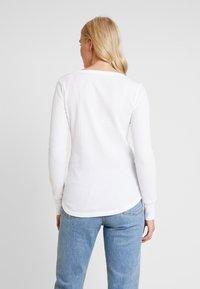 GAP - WAFFLE TEE - Long sleeved top - white - 2