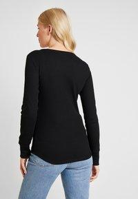 GAP - WAFFLE TEE - T-shirt à manches longues - true black - 2