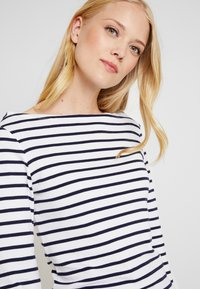GAP - BOAT - T-shirt à manches longues - navy/white - 4