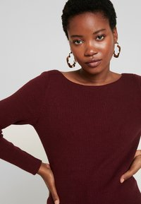 GAP - BOATNECK - Jumper - burgundy - 4