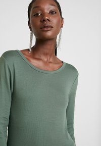 GAP - CREW - Long sleeved top - cool olive - 4