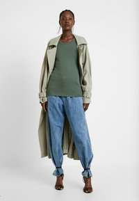 GAP - CREW - Long sleeved top - cool olive - 1