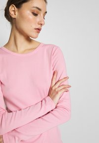 GAP - CREW - Long sleeved top - classic pink - 5