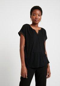 GAP - NOTCH - T-shirt con stampa - true black - 0