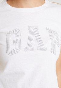 GAP - TEE - Print T-shirt - white - 4