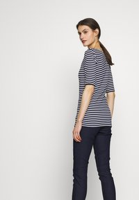 GAP - T-shirts med print - navy - 3