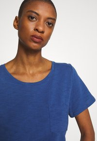 GAP - EASY SCOOP - Jednoduché triko - chrome blue - 3