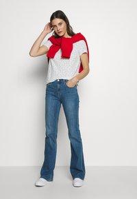 GAP - EASY - Print T-shirt - milk - 1