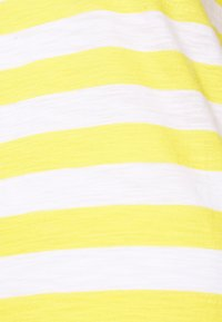 GAP - EASY SCOOP - T-shirts med print - yellow/white - 2