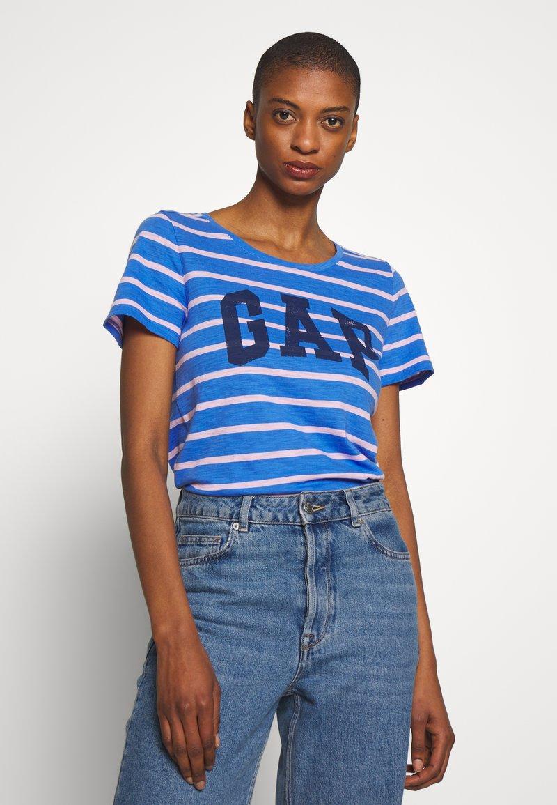 GAP - EASY SCOOP - T-shirt z nadrukiem - blue/pink