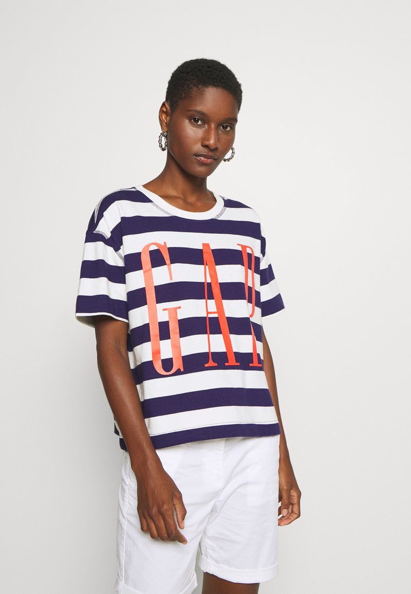GAP - BOXY TEE - T-shirt z nadrukiem - navy