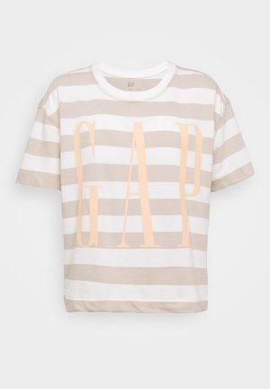 BOXY TEE - Camiseta estampada - nude/off-white