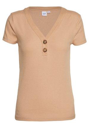 Basic T-shirt - desert tan