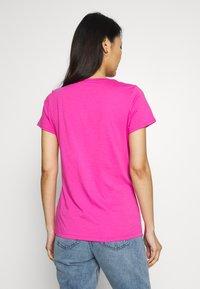 GAP - TEE - T-shirt z nadrukiem - standout pink - 2