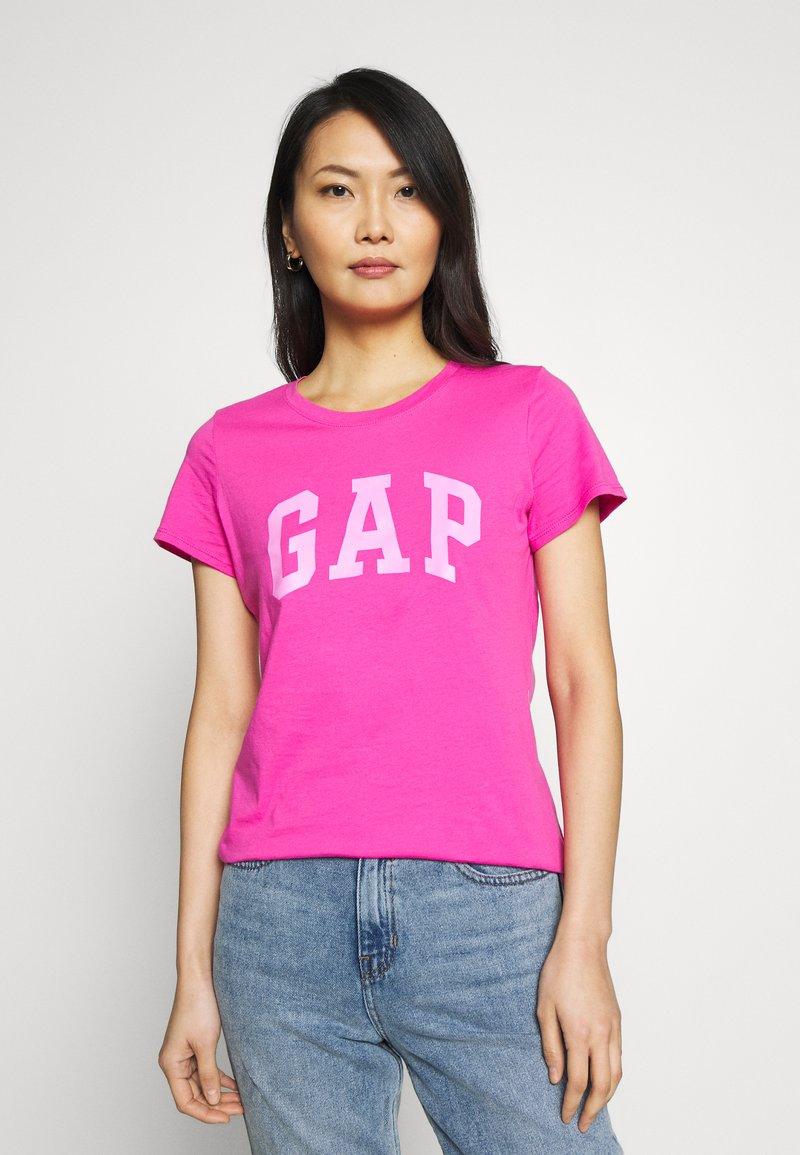GAP - TEE - T-shirt z nadrukiem - standout pink