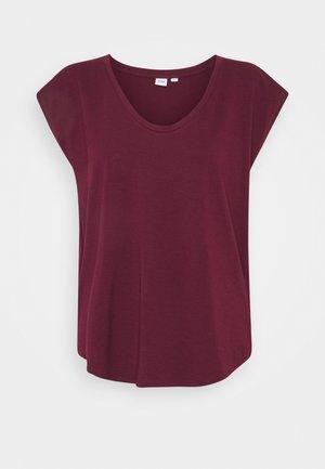SCOOP - Basic T-shirt - ruby wine