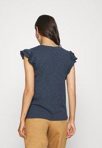 GAP - RUFFLE - T-shirt con stampa - navy heather - 2