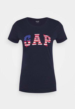 FLAG TEE - T-shirt z nadrukiem - navy uniform
