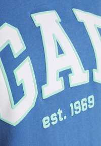 GAP - OUTLINE TEE - T-shirt z nadrukiem - cabana blue - 5