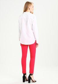 GAP - FITTED BOYFRIEND  - Button-down blouse - optic white - 2