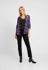 GAP - DRAPEY PLAID - Camisa - purple plaid combo - 1