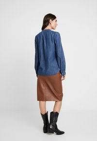 GAP - FRAMED BOW NECK - Blusa - dark indigo - 2
